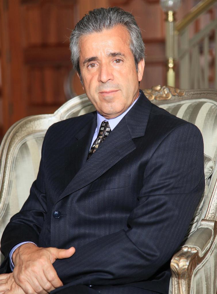 Akbar Arab (owner)